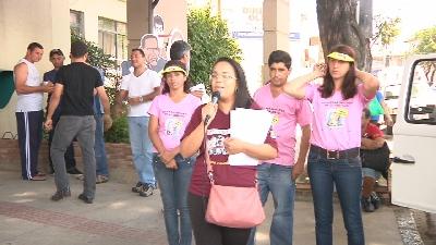 PROFESSORES DE CONTAGEM PARTICIPAM DO PROTESTO ESTADUAL DA CLASSE